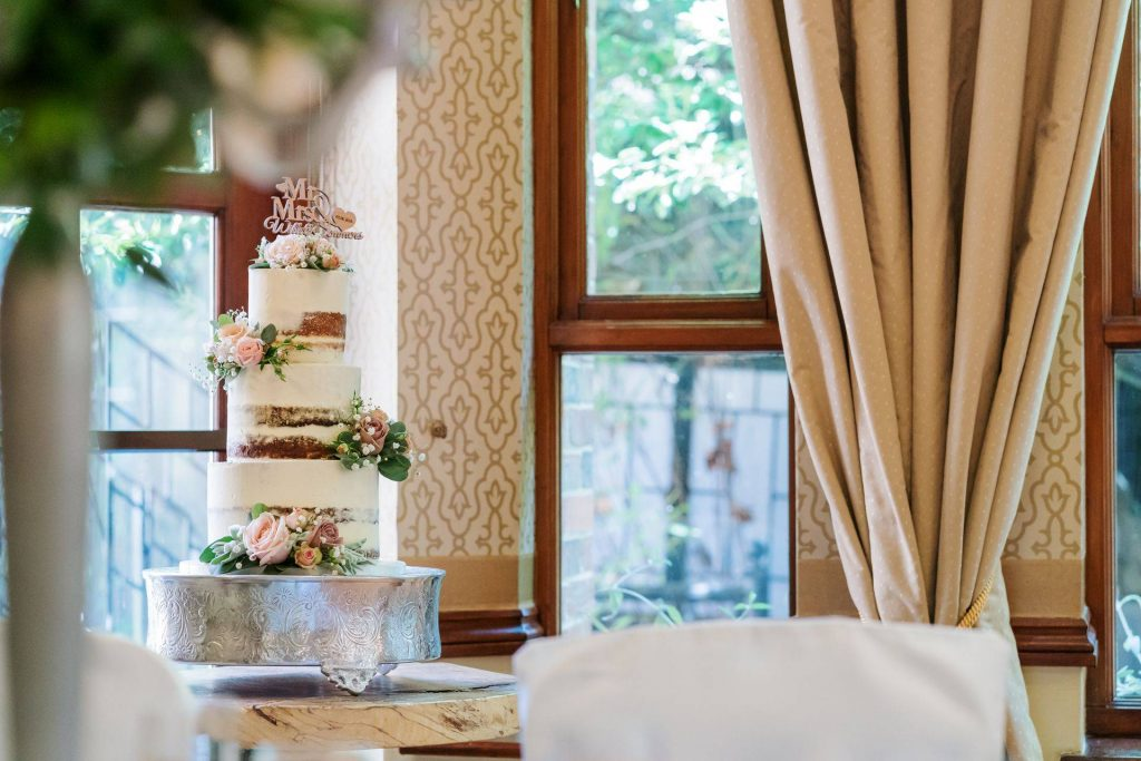 Karens_wedding_cakes_new_forest